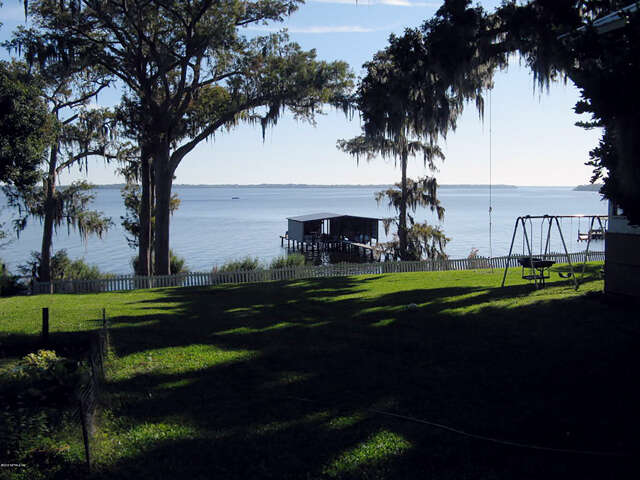 Single Family for Sale at 517 South Prospect St Crescent City, Florida 32112 United States