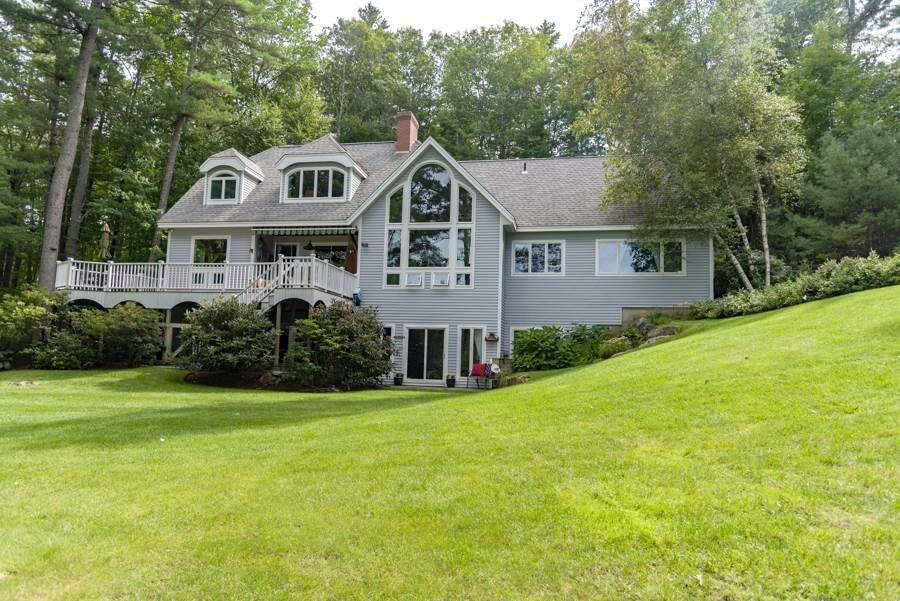 Single Family for Sale at 20 Pipers Point Lane Alton, New Hampshire 03809 United States