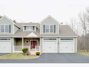 Featured Property in Hampton Falls, NH 03844
