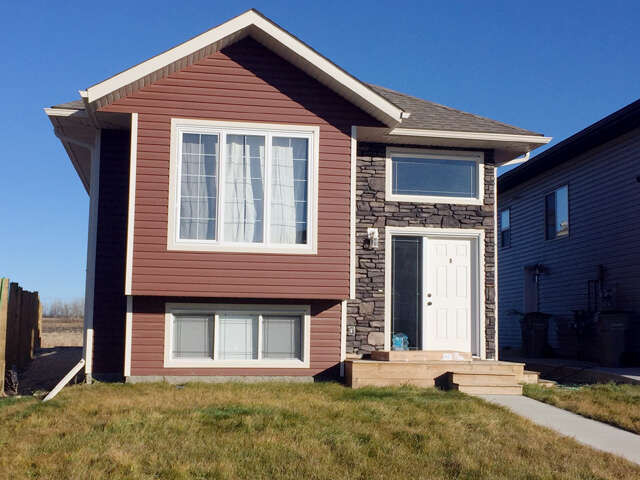 Featured Property in GRANDE PRAIRIE, AB, T8X 0K1
