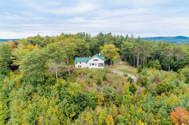 Single Family for Sale at 215 Circuit Road Ossipee, New Hampshire 03864 United States