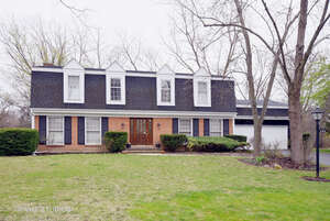 Featured Property in BARRINGTON, IL, 60010