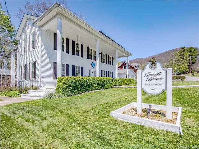 Multi Family for Sale at 109 Robertson Street Burnsville, North Carolina 28714 United States