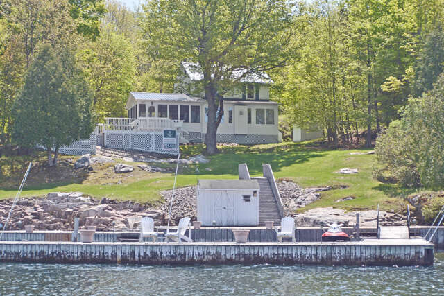 Featured Property in ROCKPORT, ON, K0E 1R0