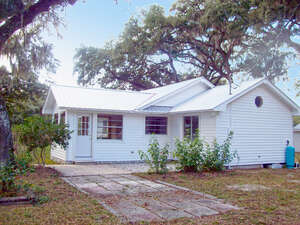 Featured Property in Inverness, FL 34450