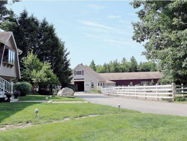 Single Family for Sale at 113 Mountain View Road Deerfield, New Hampshire 03037 United States
