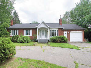 Featured Property in Waterville, QC J0B 3H0
