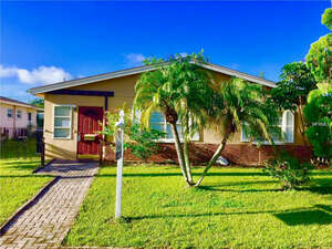 Featured Property in St Petersburg, FL 33702