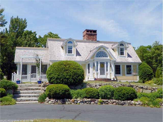 Single Family for Sale at 192 Mills Rd Kennebunkport, Maine 04046 United States