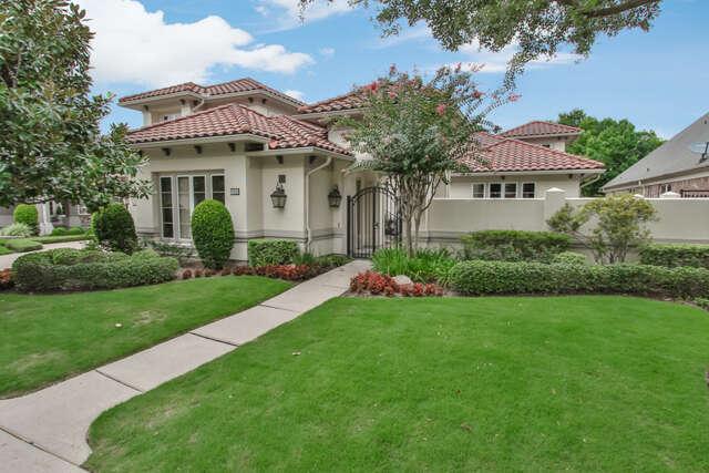 Single Family for Sale at 11430 Gallant Ridge Ln Houston, Texas 77082 United States