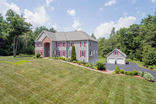 Single Family for Sale at 41 Mills Falls Road Barrington, New Hampshire 03825 United States