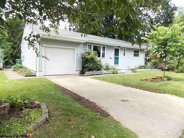 Real Estate for Sale, ListingId:46085919, location: 401 Lawnview Drive Morgantown 26505