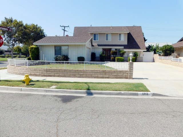 Single Family for Sale at 1713 Marcella St Simi Valley, California 93065 United States