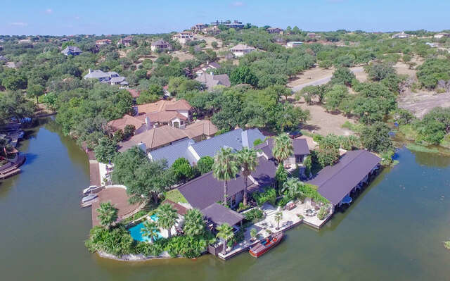 Single Family for Sale at 114 Moon Isle Horseshoe Bay, Texas 78657 United States