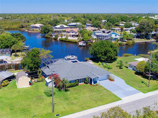 Single Family for Sale at 1507 Robbins Road Nokomis, Florida 34275 United States