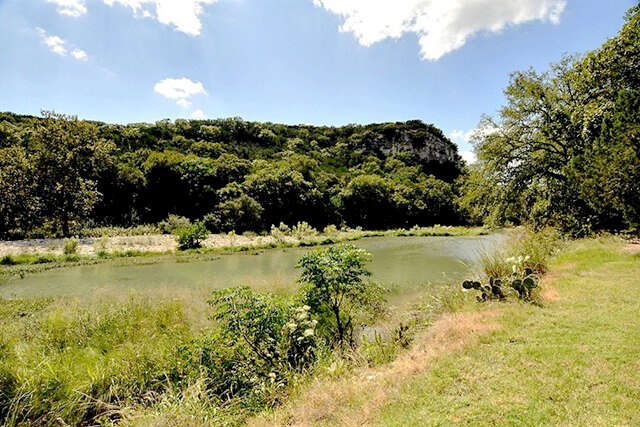 Single Family for Sale at 180 Bluff Trail Rd Ingram, Texas 78025 United States