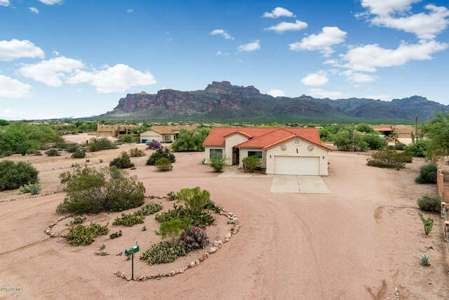 Real Estate for Sale, ListingId:46893551, location: 715 S MOON Road Apache Junction 85119