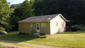 Featured Property in Walkersville, WV 26447