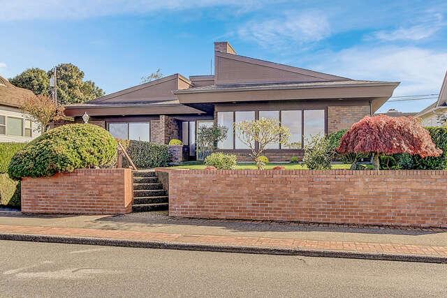 Single Family for Sale at 222 Sunset Ave. N. Edmonds, Washington 98020 United States