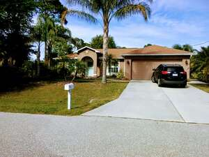 Featured Property in North Pt, FL