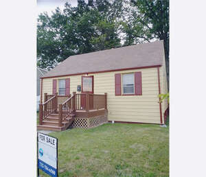 Featured Property in Carteret, NJ 07008