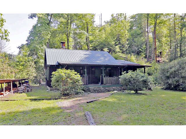 Single Family for Sale at 406 Sharp Mountain Road Canton, North Carolina 28716 United States