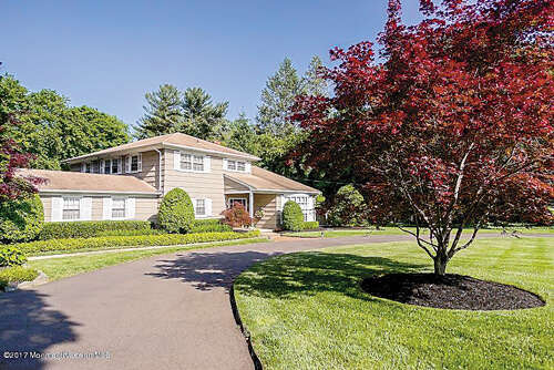 Single Family for Sale at 128 Samara Drive Shrewsbury, New Jersey 07702 United States