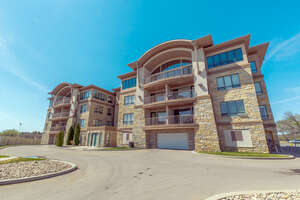 Featured Property in Regina, SK S4S 0A6