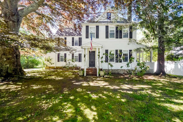 Single Family for Sale at 119 Scraggy Neck Road Cataumet, Massachusetts 02534 United States