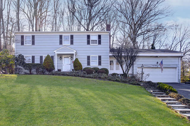 Single Family for Sale at 314 Orenda Circle Westfield, New Jersey 07090 United States