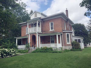 Featured Property in Napanee, ON K7R 1V9