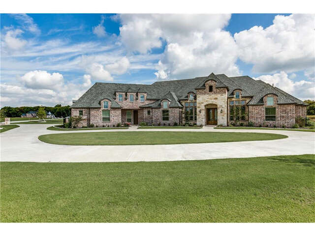 Single Family for Sale at 1013 Christopher Court Lucas, Texas 75002 United States
