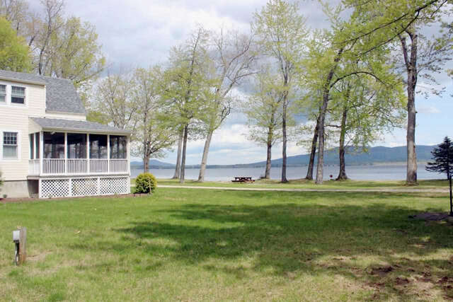 Single Family for Sale at 80 Weetamoe Road Ossipee, New Hampshire 03864 United States