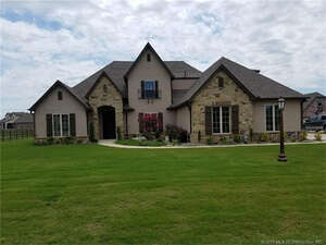 Featured Property in Owasso, OK 74055