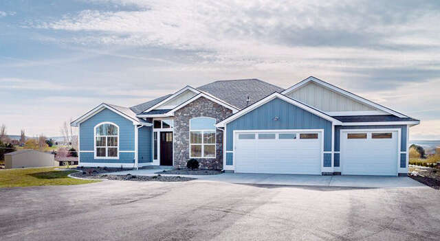 Single Family for Sale at 1204 North Bermuda Road Kennewick, Washington 99338 United States