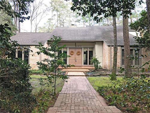 Single Family for Sale at 2611 Royal Circle Drive Kingwood, Texas 77339 United States
