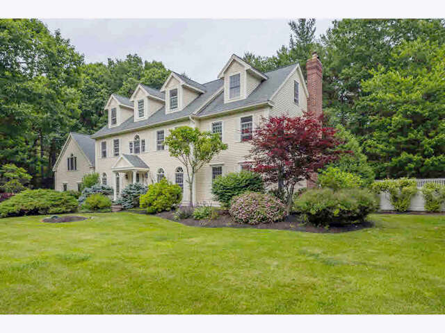 Single Family for Sale at 5 Forest Green Road Rye, New Hampshire 03870 United States