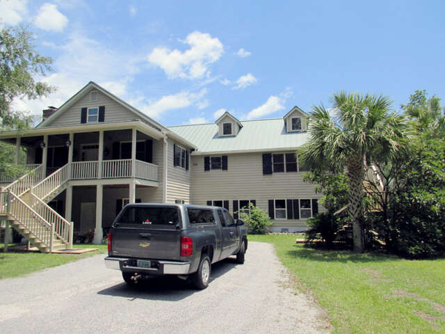 Single Family for Sale at 906 Kit Hall Road McClellanville, South Carolina 29458 United States