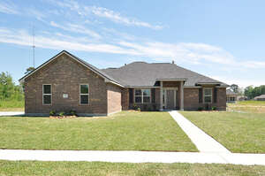 Featured Property in Dayton, TX 77535