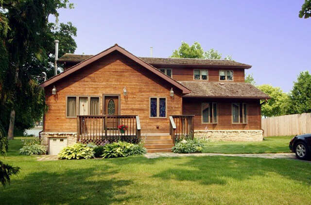 Real Estate for Sale, ListingId:43620432, location: 2901 Oakwood Ave. McHenry 60051