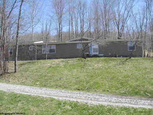 Featured Property in Lumberport, WV 26386