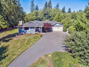 Featured Property in Pt Orchard, WA 98366