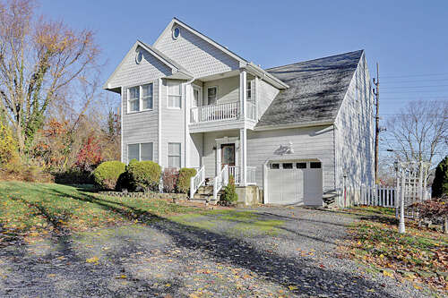 Single Family for Sale at 800 1/2 Schoolhouse Road Brielle, New Jersey 08730 United States