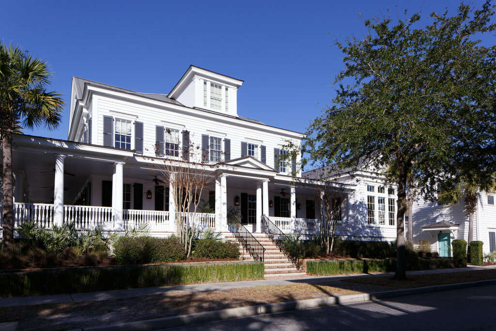 Single Family for Sale at 218 N Shelmore Blvd Mount Pleasant, South Carolina 29464 United States