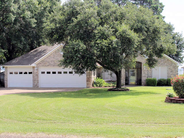 Single Family for Sale at 22776 Diamond Bay Dr Frankston, Texas 75763 United States