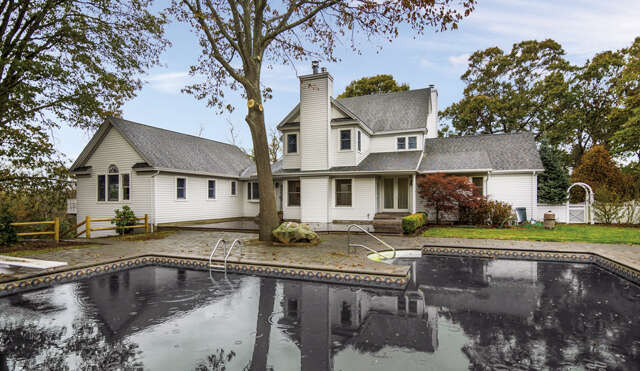 Single Family for Sale at 13 Locust Woods Drive Shelter Island, New York 11964 United States