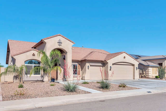 Real Estate for Sale, ListingId:44838725, location: 40642 N CAPE WRATH Drive San Tan Valley 85140