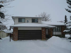 Featured Property in Ponoka, AB T4J 1K4