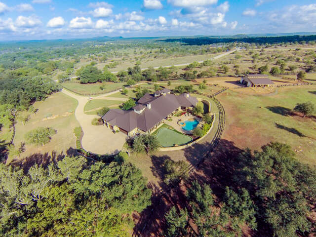 Single Family for Sale at 587 Overlook Parkway Horseshoe Bay, Texas 78657 United States