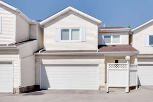 Featured Property in Calgary, AB T3A 4M6